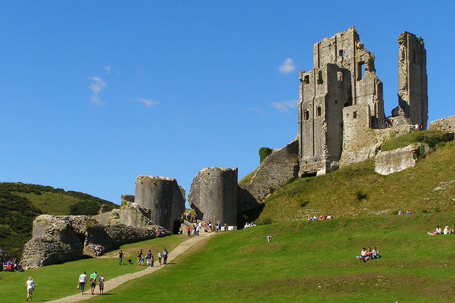 Corfe Castle keep from the Outer Bailey