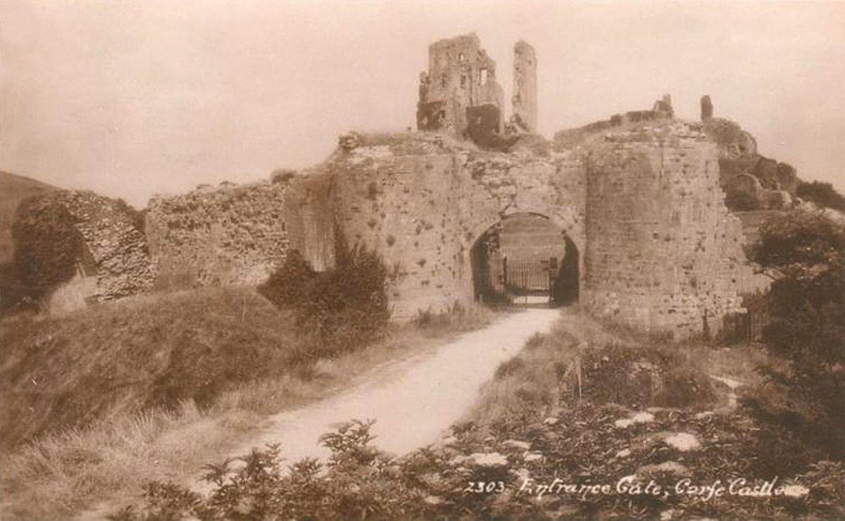Corfe Castle – a few old photos